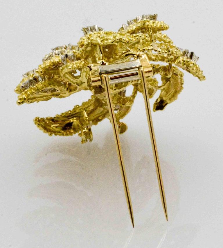 Round Cut 4.27 Carat Diamond 18 Karat Yellow Gold Brooch For Sale
