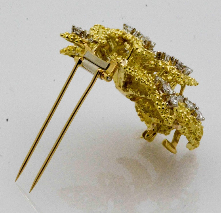 4.27 Carat Diamond 18 Karat Yellow Gold Brooch In Excellent Condition For Sale In Dallas, TX