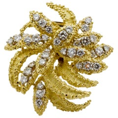 4.27 Carat Diamond 18 Karat Yellow Gold Brooch