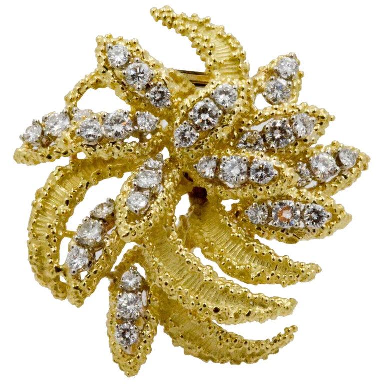 4.27 Carat Diamond 18 Karat Yellow Gold Brooch For Sale