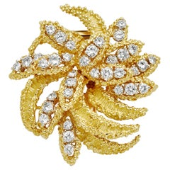 4.27 Carat Diamond 18 Karat Yellow Gold Brooch