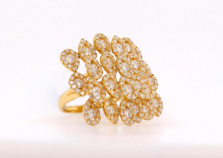 Contemporary Round White Diamond Pear Shape Halo Fashion Cocktail Ring 18K Yellow Gold For Sale