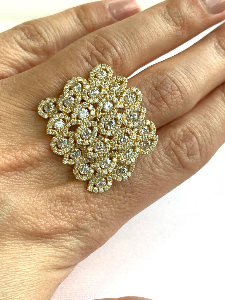 Round White Diamond Pear Shape Halo Fashion Cocktail Ring 18K Yellow Gold For Sale 1