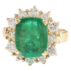 4.30 Carat Natural Emerald and Diamond 14 Karat Solid Yellow Gold Ring