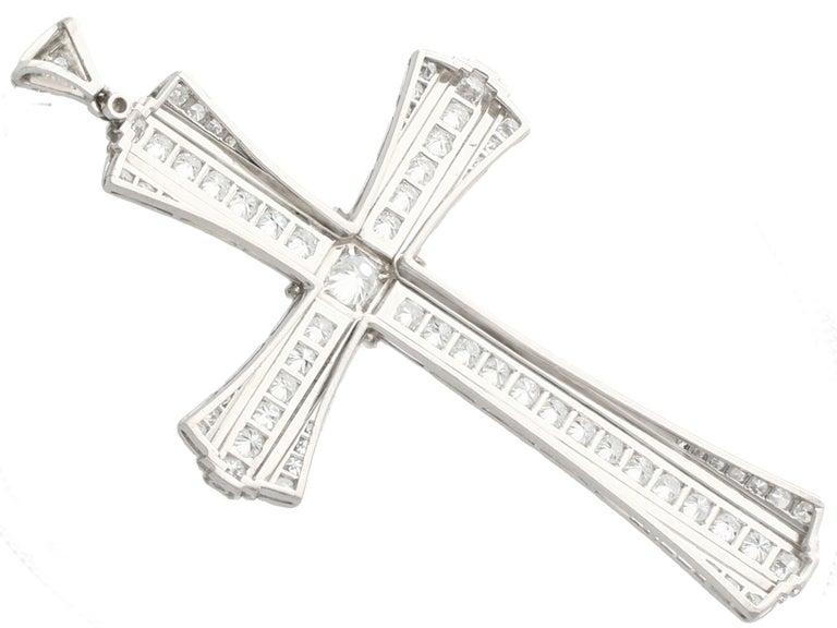 Women's or Men's 4.31 Carat Diamond and Platinum Cross Pendant, Antique, circa 1930 For Sale