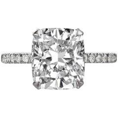 4,35 Karat Kissen Schliff Diamant-Verlobungsring auf 18 Karat Weißgold