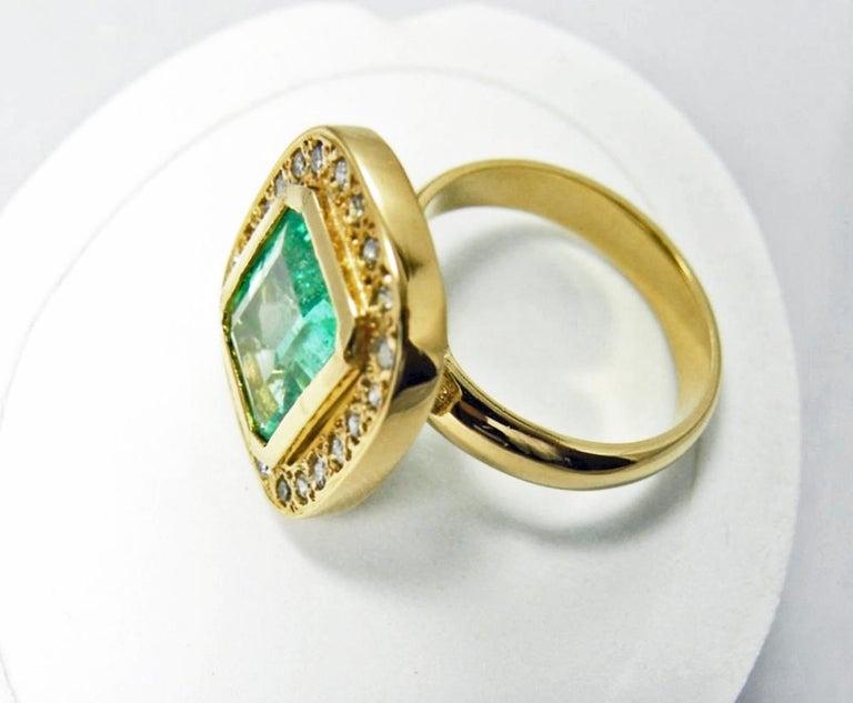4.40 Carat Emerald Cut Colombian Emerald Diamond Halo Ring 18 Karat Gold For Sale 4