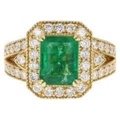 4.40 Carat Natural Emerald and Diamond 14 Karat Solid Yellow Gold Ring