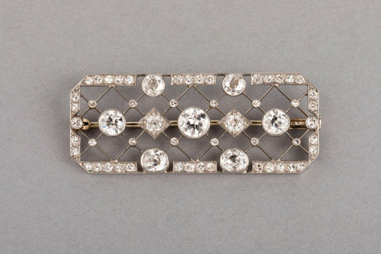 4.40 Carat French Art Deco Diamond Brooch In Good Condition For Sale In Saint-Ouen, FR