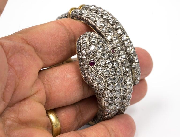 Women's 44.00 Carat Diamond Bangle Serpent Bracelet in 18 Karat Yellow Gold and Silver For Sale