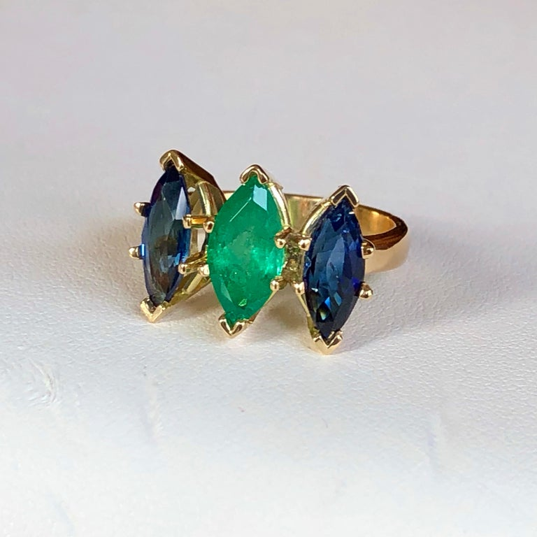 4.44 Carat Marquise Cut Ceylon Sapphire and Colombian Emerald Ring 18 Karat For Sale 5
