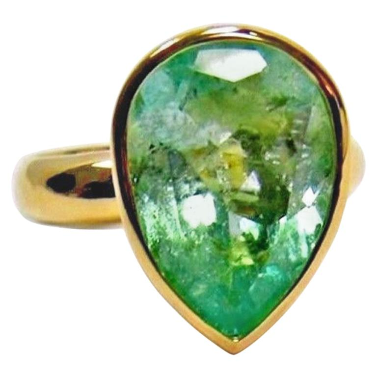 4.5 Carat Pear Cut Natural Colombian Emerald Solitaire Ring 18 Karat For Sale