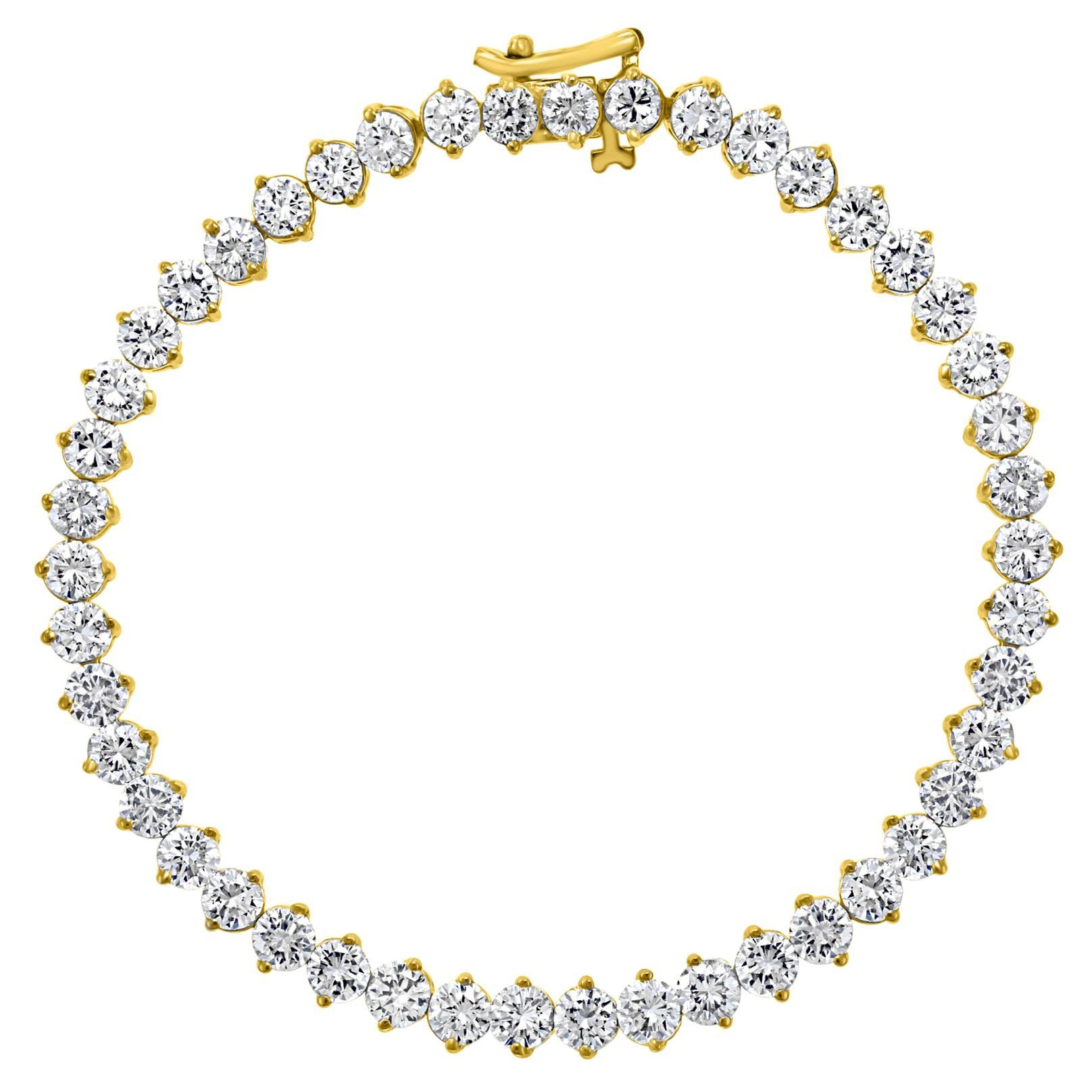 45 Round Diamond 25 Pointer Each Tennis Bracelet in 18 Karat Gold 11.25 Carat