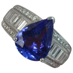 4.50 Carat Tanzanite and 1.00 Carat VS Diamond 18 Carat White Gold Ring