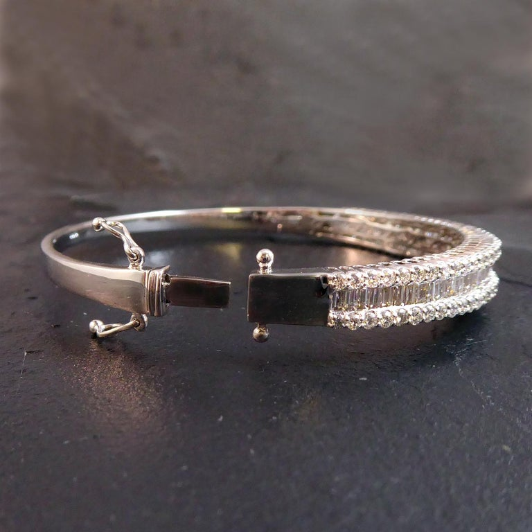 4.51 Carat Diamond Bangle, 2.17ct Baguette Cut, 2.34ct Brilliant Cut, White Gold In New Condition For Sale In Yorkshire, West Yorkshire