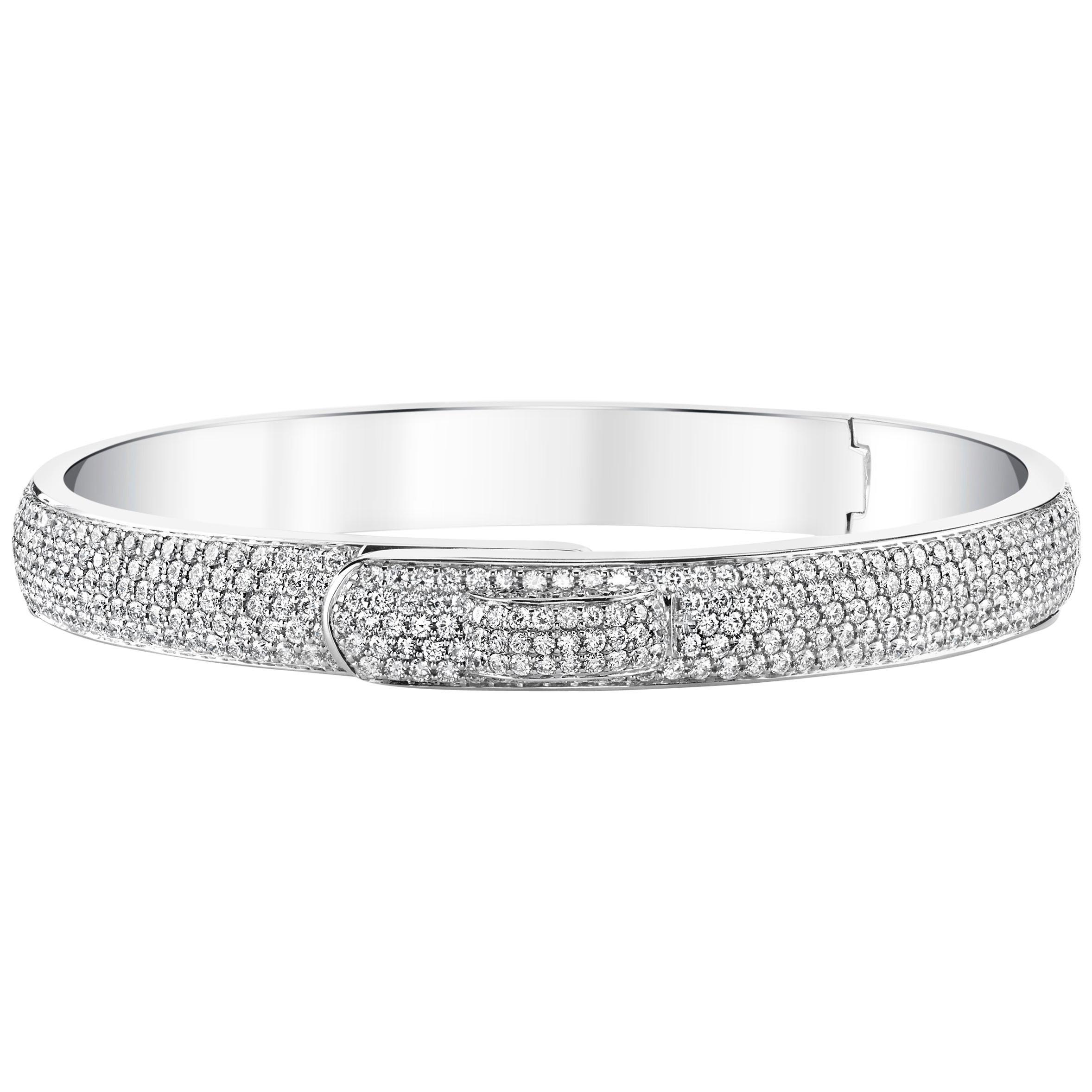 4.54 Carat Pavé Round Diamond 18 Karat White Gold Bangle Bracelet
