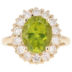 4.54 Carat Peridot Diamond 14 Karat Yellow Gold Ring