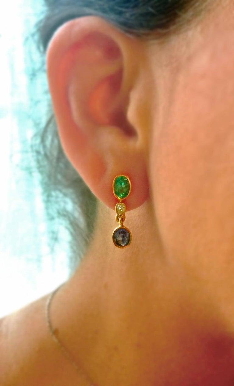 Contemporary 4.55 Carat Colombian Emerald Tanzanite and Diamond Dangle Earrings 18 Karat For Sale
