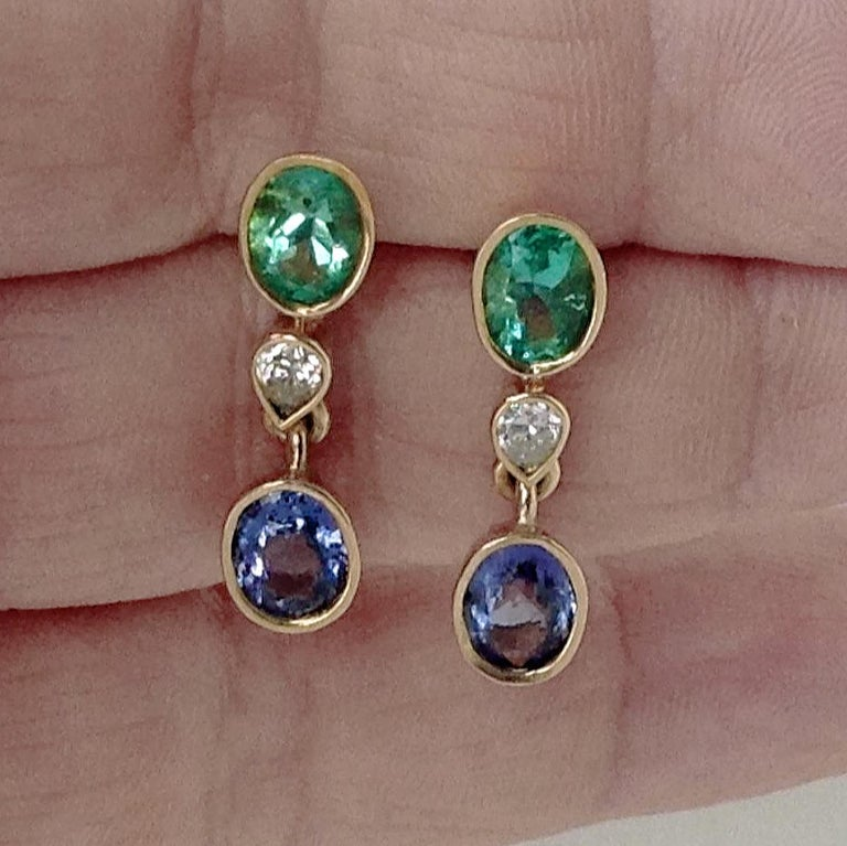4.55 Carat Colombian Emerald Tanzanite and Diamond Dangle Earrings 18 Karat In New Condition For Sale In Brunswick, ME