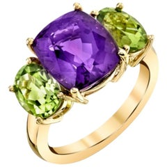 4.56 Carat Amethyst with 2.74 Carat Peridot 18 Karat Yellow Gold Ring