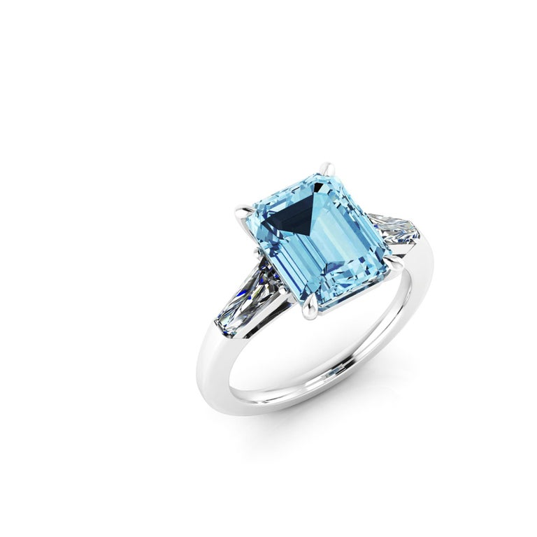 4.58 Carat Emerald Aquamarine 0.40 Carat Baguette Diamonds Cocktail Ring In New Condition For Sale In New York, NY