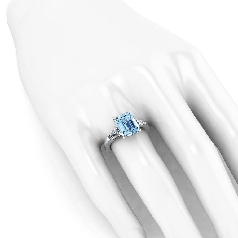 Women's 4.58 Carat Emerald Aquamarine 0.40 Carat Baguette Diamonds Cocktail Ring For Sale