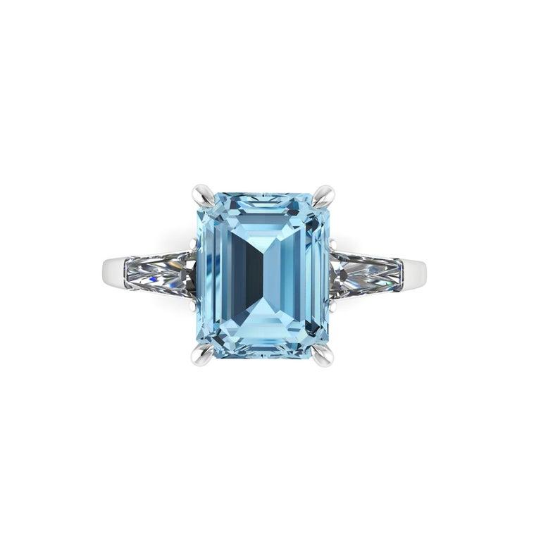 4.58 Carat Emerald Aquamarine 0.40 Carat Baguette Diamonds Cocktail Ring For Sale 2