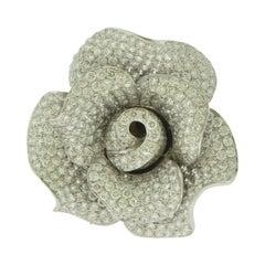 458 Round Brilliant Cut Diamond Flower Ring in 18 Karat White Gold