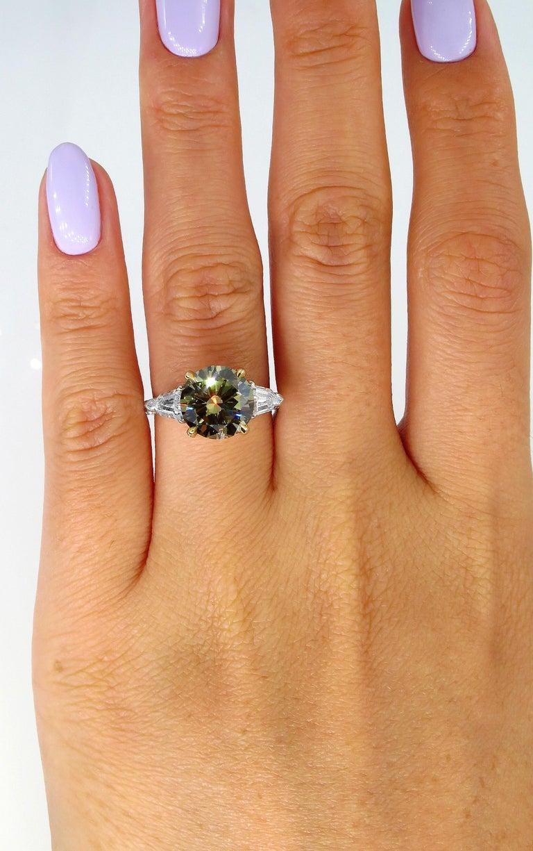 4.58ct Natural Fancy Brown Greenish Yellow Round Diamond 3-Stone Platinum Ring For Sale 6