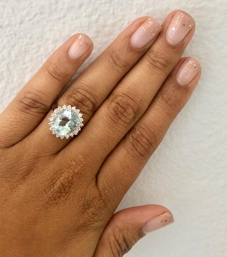 Women's 4.59 Carat Aquamarine Diamond 14 Karat White Gold Ring For Sale