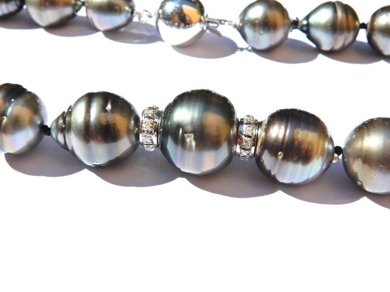 Baroque Tahitian Pearl and Diamond 14 Carat White Gold Necklace For Sale 1
