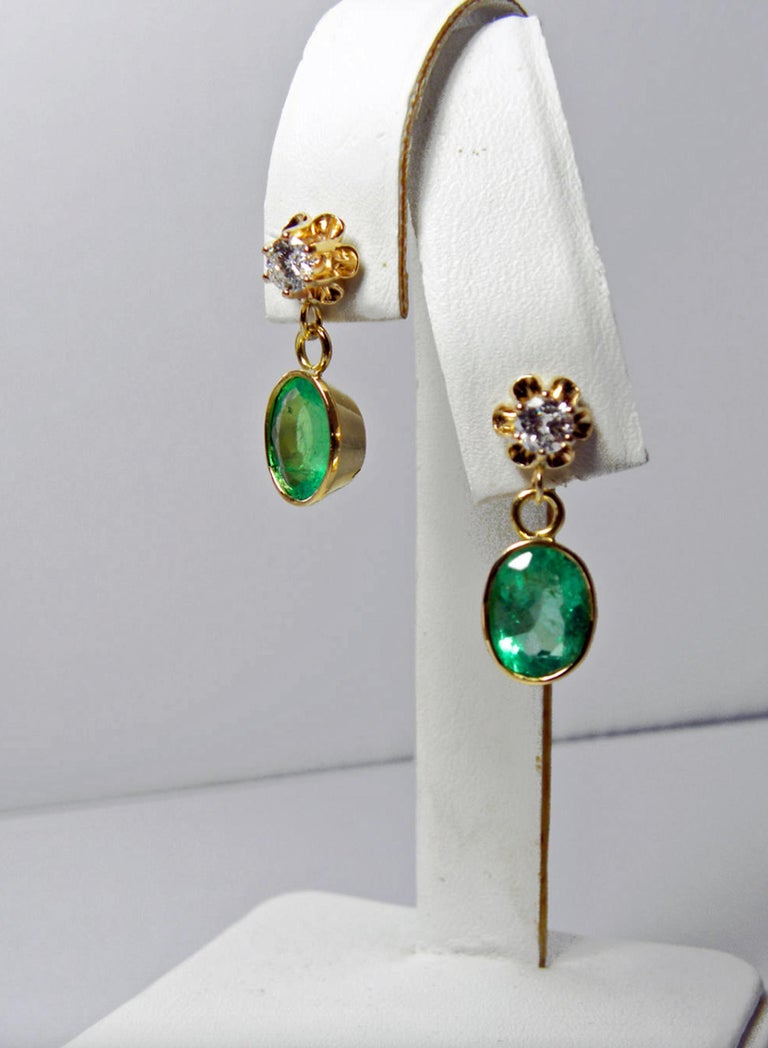 Round Cut 4.60 Carat Victorian Style Natural Colombian Emerald Diamond Dangle Earrings 18K For Sale