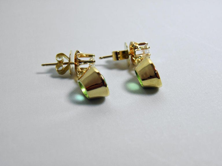 4.60 Carat Victorian Style Natural Colombian Emerald Diamond Dangle Earrings 18K For Sale 2