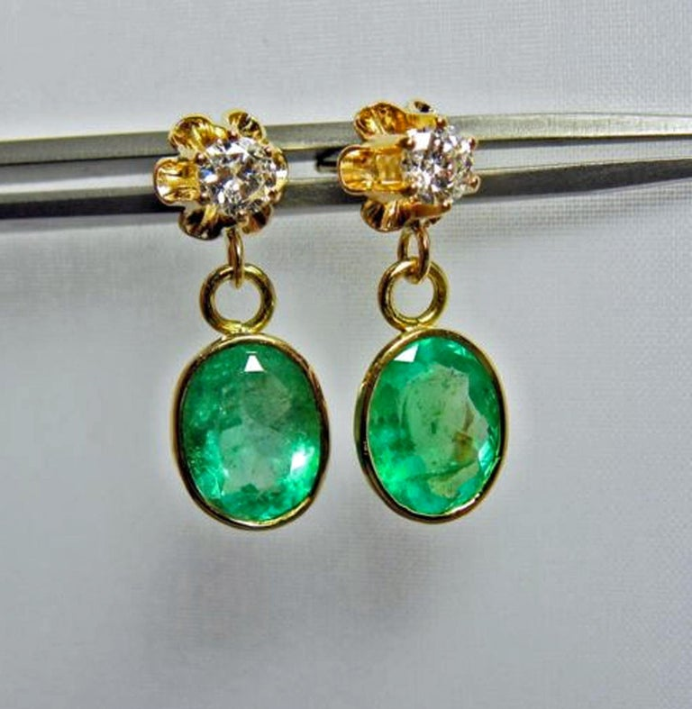 4.60 Carat Victorian Style Natural Colombian Emerald Diamond Dangle Earrings 18K For Sale 3