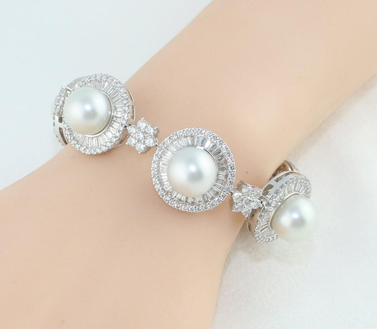 46.00 Carat Diamond and South Sea Pearl Gold Necklace Earrings Bracelet Set For Sale 8