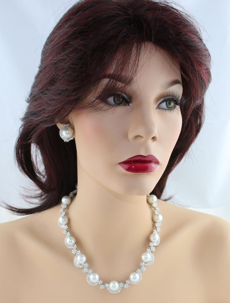 46.00 Carat Diamond and South Sea Pearl Gold Necklace Earrings Bracelet Set For Sale 1