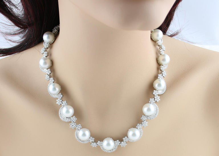 46.00 Carat Diamond and South Sea Pearl Gold Necklace Earrings Bracelet Set For Sale 3