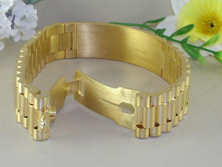 Round Cut 4.62 Carat 18 Karat Yellow Gold White Diamond Men's Bracelet For Sale