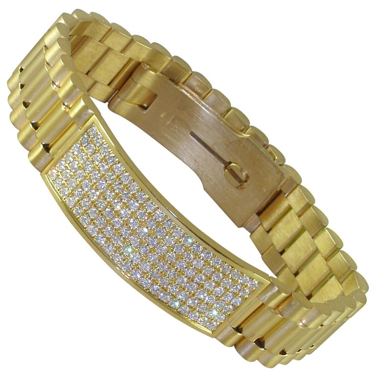4.62 Carat 18 Karat Yellow Gold White Diamond Men's Bracelet For Sale