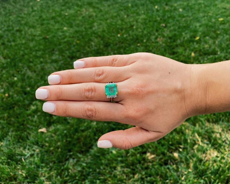 Emerald Cut 4.65 Carat Emerald-Cut Colombian Emerald and Diamond 18K Gold Ring For Sale