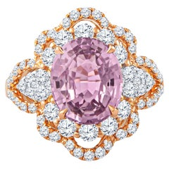 4.75 Carat Oval Purple-Pink Sapphire 'GIA Lab Report' Set in 18 Karat Gold Ring