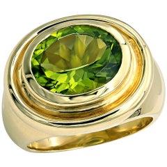 4.75 Carat Peridot 18 Karat Yellow Gold Chunky Cocktail Ring Designer Style