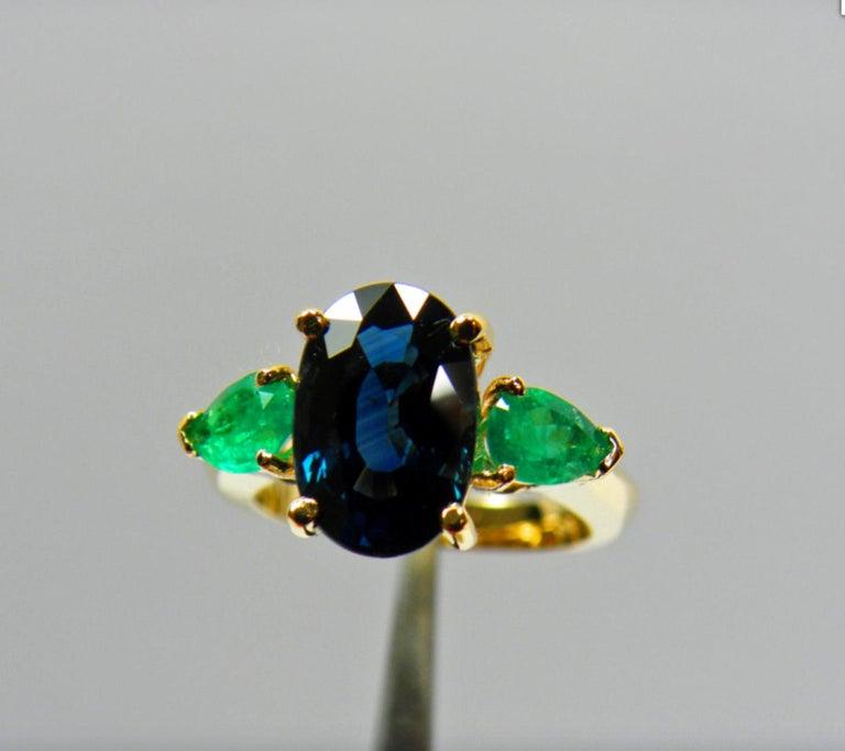 4.77 Carat Natural Cobalt Blue Sapphire & Colombian Emerald Engagement Ring 18K For Sale 3