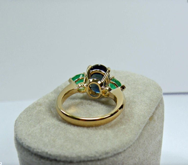 4.77 Carat Natural Cobalt Blue Sapphire & Colombian Emerald Engagement Ring 18K For Sale 4