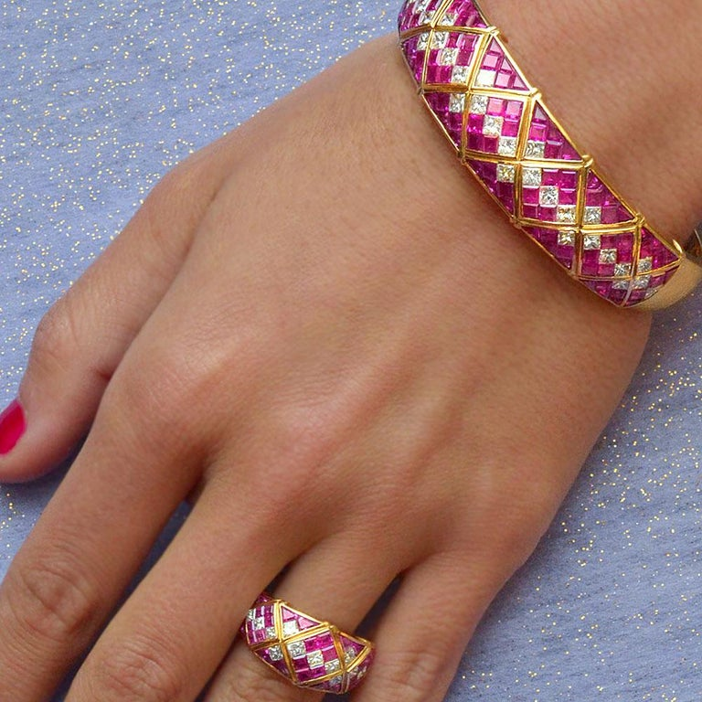 Retro 4.78Ct. Pink Sapphire and 1.20Ct. Diamond Harlequin Pattern 18Kt Gold Band Ring For Sale