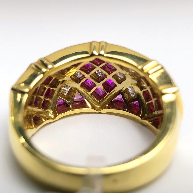 Princess Cut 4.78Ct. Pink Sapphire and 1.20Ct. Diamond Harlequin Pattern 18Kt Gold Band Ring For Sale