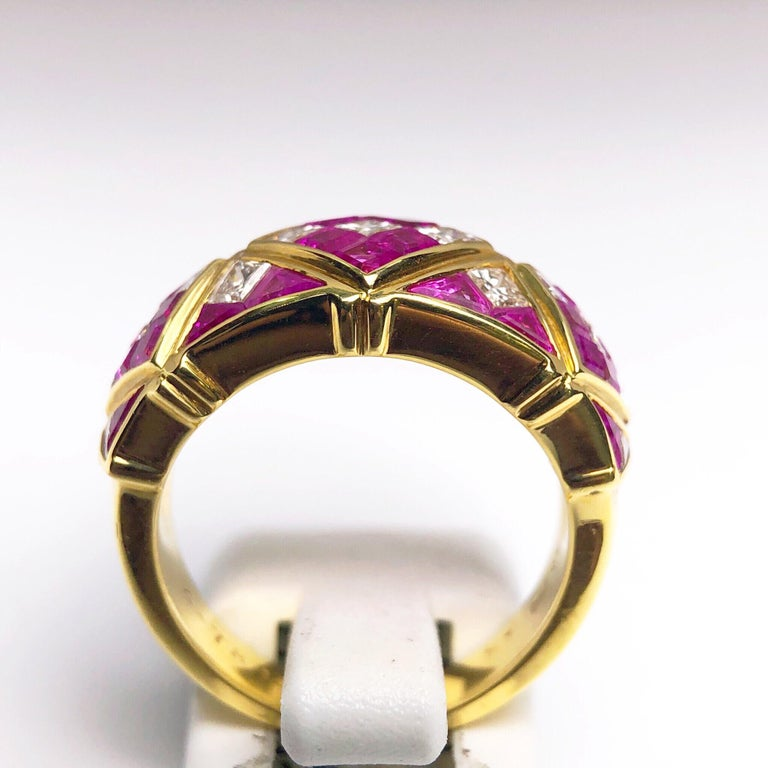Women's or Men's 4.78Ct. Pink Sapphire and 1.20Ct. Diamond Harlequin Pattern 18Kt Gold Band Ring For Sale