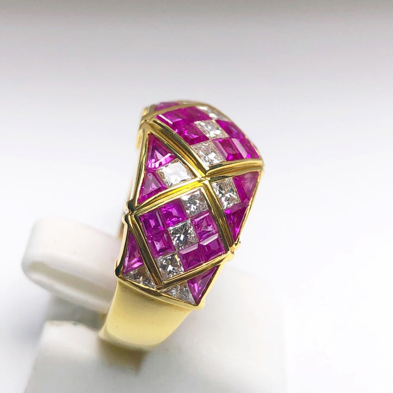 4.78Ct. Pink Sapphire and 1.20Ct. Diamond Harlequin Pattern 18Kt Gold Band Ring For Sale 1