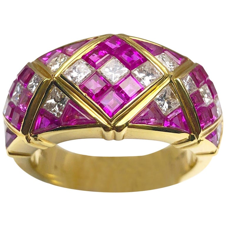4.78Ct. Pink Sapphire and 1.20Ct. Diamond Harlequin Pattern 18Kt Gold Band Ring For Sale