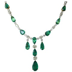 48 Carat Emerald Necklace Mounted in 14 Karat Gold